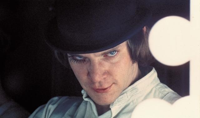「時計じかけのオレンジ」の主役のアレックス (マルコム・マクダウェル)
